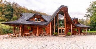 Gościniec Nałęże_góralskie wesele Bielsko_Chata drewniana